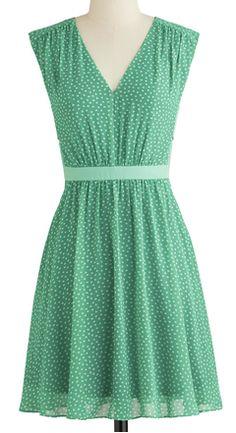 Sweet polka dotted dress http://rstyle.me/n/kacb5nyg6
