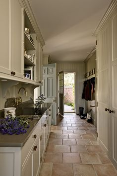 I love this color scheme! It would go so great in my kitchen! I love the counter tops. They would contrast so nicely with my new tile floor!