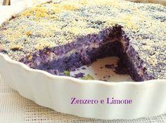 Questo tortino di patate viola è un vero e proprio piatto unico. Appetitoso e molto sostanzioso ha anche il pregio di essere particolare nel colore.