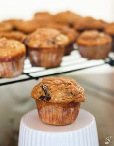 Healthy Muffins, Healthy Sweets, Cas, Breakfast Muffins, Cookies Et Biscuits, Something Sweet, Muffin Recipes, Granola, Caramel
