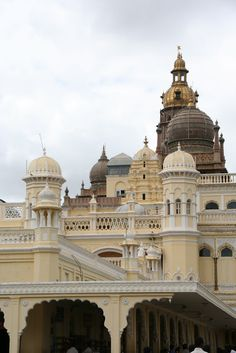 To See the Seven Continents: Mysuru, India