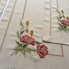 Crochet Bedspread, Bargello, Cross Stitch Designs, Embroidery Applique, Diy Crafts, Inspiration, Cross Stitch Rose, Embroidery Ideas, Cross Stitch Embroidery