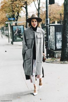 Fedora, grey coat, white heels and red lips | PFW-Paris_Fashion_Week-Spring_Summer_2016-Street_Style-Say_Cheese-11