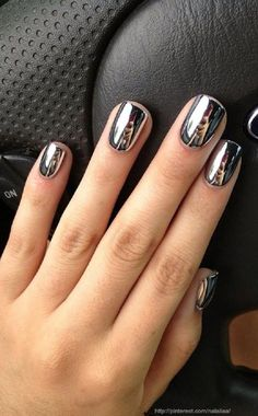 10+Stunning+Chrome+Nail+Ideas
