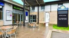 Days Inn Hotel Donington and East Midlands Airport Castle Donington With free parking, a fully licensed bar, continental breakfast and 24-hour reception, Days Inn Hotel Donington offers free Wi-Fi in rooms and is just off the A50 road.