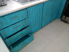 Pallet Kitchen Cabinets and Drawers | 99 Pallets
