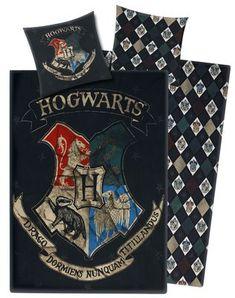 Vendbart sengesæt med Harry Potter Hogwarts motiv. 135 x 200 cm. Pudebetræk: 80 x 80 cm. Med lynlås