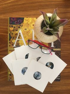 We strive to make it easy and accessible for everyone to buy affordable, quality, carefully chosen, original artworks of contemporary South African Artists, delivered to your doorstep worldwide.