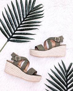 These BEAUTIES 😍 >>>>Now in Store xoxo . . . . #shoelover #sandals #wedges #ootdshare #shop #onlineshop #newarrivals #online #fargond #fargo #nd #mnblogger #ootd #inatfashion Espadrilles, Ootd, Wedges, Sandals, Shopping, Shoes, Fashion, Espadrilles Outfit, Slide Sandals