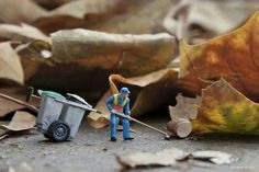 Amazing art portraying the lives of Tiny Peoples