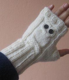 Owl Fingerless Gloves,Knit Owl Hand Warmers Cream Arm Warmers,Winter Accessories,Handknit Fingerless Gloves,Owl mittens,Owl winter gloves