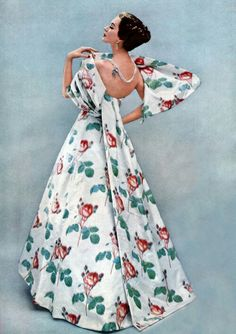 Dovima in Givenchy, photo by Richard Avedon, 1956