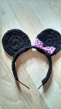 "Original pinner said, ""Crochet minnie mouse ears pattern - Bits and Bobbles"