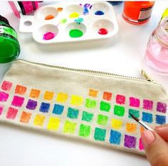 'Color Made Happy' -FB-page