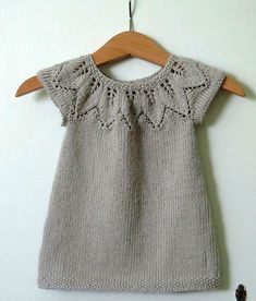 Knitting patterns free sweater dress baby cardigan ideas for 2020 Girls Knitted Dress, Knit Baby Dress, Knitted Baby Clothes, Baby Cardigan, Smock Dress, Baby Knitting Patterns, Knitting For Kids, Baby Patterns, Crochet Patterns