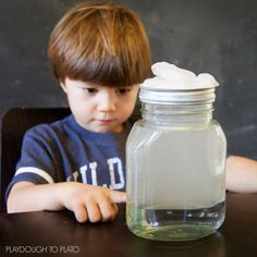 How to Make a Cloud in a Jar. Such an easy and fun science experiment for kids!