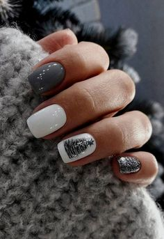 #Followme #BurgundyColors 💘 10+ Trendy Nail Art For Short Nails For Beginners To Do At Home Without Tools In Quarantine ⚡ #Click Ideas Of maroons nail nail desigbs nails nailart sinple nails abstract nails light color nails gel nails geleration nails fall toe nails see through nails Square Nail Designs, Cute Nail Designs, Short Square Nails, Short Nails, Short French Nails, New Year's Nails, Hair And Nails, Cute Nails, Pretty Nails
