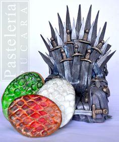 Trono y huevos de la serie Juego de tronos  Eggs and throne, game of thrones