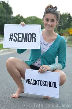These Back-to-School Photo Prop Printables are perfect for senior photos