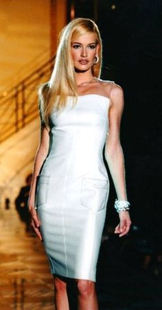 Gianni Versace Fashion Show 90s & More Luxury Details
