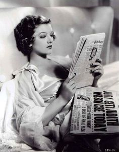 Myrna Loy reads about courtroom action from previous day. Evelyn Prentice Myrna Loy plays Evelyn Prentice, wife of big name lawyer John Prentice (William Powell). Old Hollywood Glamour, Golden Age Of Hollywood, Vintage Hollywood, Hollywood Stars, Classic Hollywood, Vintage Glamour, Hollywood Icons, Vintage Beauty, Hollywood Actresses