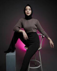 Perfect Model, Niqab, Hijab Fashion, Stylists, Illustration Art, Turtle Neck, Sweaters, Sweater, Sweatshirts
