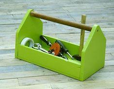 Neste post você vai aprender como criar um caixa para a sua utilidade. Pode ser de ferramentas, mani