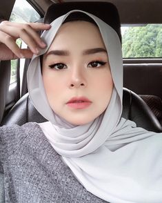 119 ideas makeup asian natural – page 1 Modern Hijab Fashion, Muslim Fashion, Korean Fashion, Women's Fashion, Fashion Outfits, Summer Makeup Looks, Bridal Makeup Looks, Casual Hijab Outfit, Hijab Chic