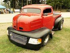 1948 ford COE...........Don't know if I'm digging the grill and headlight treatment?Hmmm...
