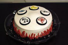 Divergent Cake Divergent Cake, Tris Prior, Dress Cake, Cupcakes, Fondant, Birthdays, Birthday Cake, Baking, Desserts