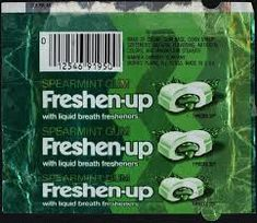 """""""Freshen your breath with Freshen-up, the gum that goes squirt"""". Freshen-up spearmint gum package - I loved Freshen-up! Vintage Candy, Vintage Toys, Retro Candy, 1970s Candy, Nostalgia, Childhood Toys, Childhood Memories, Logo Publicidad, Toys"""