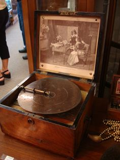Antique Music Box(with bells)- 9 additional discs- Troubadour c1895