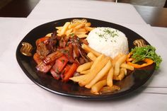 Lomo Saltado embodies great taste and also symbolizes the rich Asian immigrant heritage in Peru. By combining local steak with soy sauce, vinegar, thick cuts of onions and potato wedges, this fusion dish has won the hearts of Peruvians and can be found with ease in both streetside stalls and five-star restaurants.