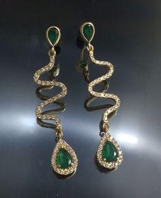 14K long earrings & emerald