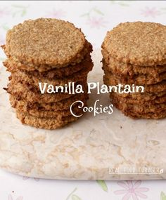 If you are missing oatmeal cookies you may like this recipe.These vanilla plantain cookies have the taste and texture of oatmeal cookies! Banana Dessert, Paleo Dessert, Gluten Free Desserts, Dessert Recipes, Cuban Recipes, Gf Recipes, Real Food Recipes, Healthy Recipes, Plantain Recipes