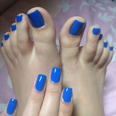 Absolutely sexy toes and sexy peep toe heels. Pretty Toe Nails, Cute Toe Nails, Sexy Nails, Sexy Toes, Pretty Toes, Toe Nail Art, French Toe Nails, Nice Toes, Golden Nails