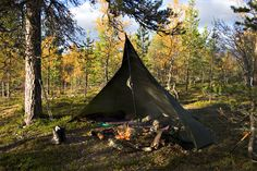 The loue, a traditional Finnish shelter designed to be used in front of a fire, has kept many campers warm even in the Scandinavian winter.
