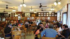Confiterías y bares son íconos de la Ciudad. El café es un clásico porteño, que se paga a valores internacionales. (Foto: Néstor Sieira/Archivo)
