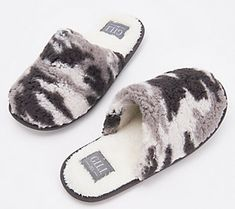 "Log these plush sherpa slippers under things that make you go, ""ahhh. got it love it® Womens Slippers, Plush, How To Get, Qvc, Shoes, Products, Fashion, Moda, Zapatos"