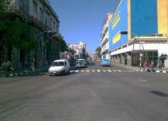 Las huellas que sobreviven al abandono, muestran lo que fue en su momento la reina de las calles de La Habana
