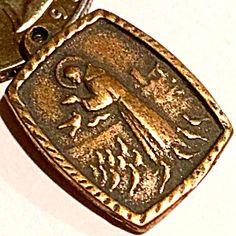 Vintage Bronze Saint Francis Holy Medal Charm (Image1)