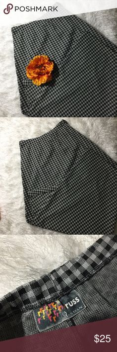 {Charlotte Russe} Black and White Checkered Skirt Pretty black and white checkered long maxi skirt in great condition! Size Small! Charlotte Russe Skirts Maxi