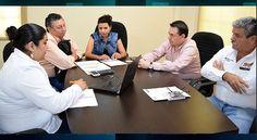 La alcaldesa de Nava Ana Gabriela Fernández Osuna, sostuvo una reunión con Fabián Velásquez Islas, subdirector de operación de Ferromex.