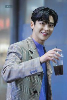 Korean Celebrities, Korean Actors, Bts Aesthetic Wallpaper For Phone, Joon Hyuk, Chani Sf9, Sf 9, Kdrama Actors, Bts Korea, Kpop