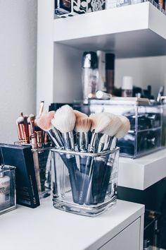 Makeup Storage Makeup Kit, Beauty Storage, Make Up Collection, Make Up Storage Makeup Organization Ikea, Makeup Storage Display, Ikea Makeup, Make Up Storage, Organizing, Storage Ideas, Makeup Kit, Makeup Brushes, Makeup Geek