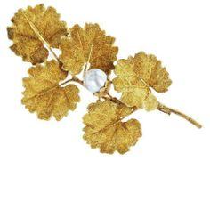 18 karat gold leaf motif Buccellati pin