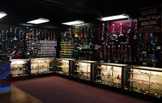 Vape Store Design, Store Counter, Cigar Shops, Fashion Displays, Phone Shop, Head Shop, Glass Bongs, Smoke Shops, Vape Shop