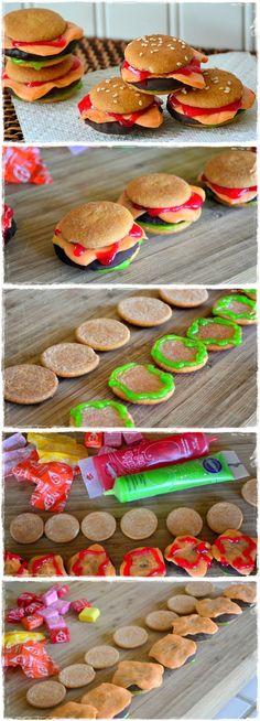 Cookie Sliders That Look Just Like Mini Cheeseburgers
