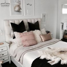 Awesome Deco Chambre Noir Blanc Bois that you must know, You?re in good company if you?re looking for Deco Chambre Noir Blanc Bois Dream Rooms, Dream Bedroom, Home Interior, Interior Design, Retro Home Decor, White Bedroom, Pink Gold Bedroom, Rose Bedroom, New Room