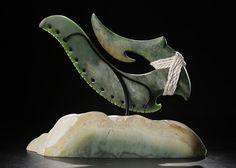 lewis tamihana gardiner Polynesian Art, Nz Art, Maori Art, Carving Designs, Bone Carving, Green Stone, Anthropology, Kiwi, Archaeology